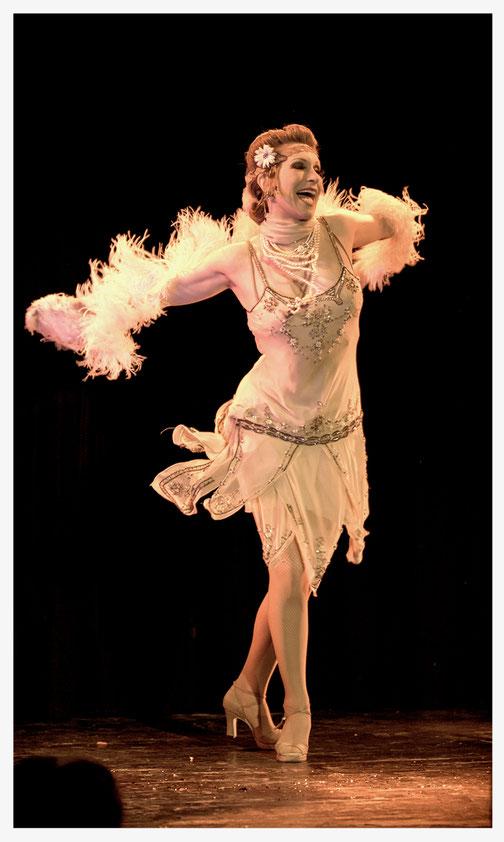 Charleston-Tänzerin, Charlestontanz, Charleston-Workshop, Kurs, Lernen, München Munich, Bayern, Deutschland Germany, 1920er Jahre Showeinlage, Flapper Girl, Charleston buchen, Charleston Show