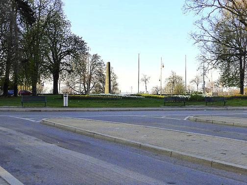 Der Parkplatz vor dem Bahnhof