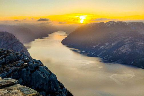 Pauls persönliches Highlight: die Wanderung zum Felsplateau Preikestolen bei Sonnenaufgang