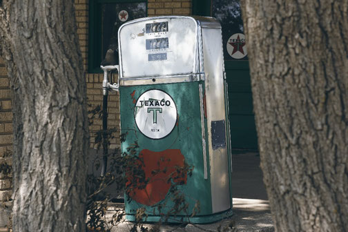 Old Texaco gas station on Route 66, Alanreed
