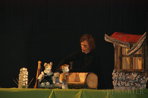 Irmi Wette begeistert mit ihrer Aufführung besonders die jüngeren Gäste. Bild: Tobias Lange