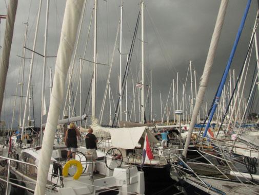 Huuuh: ein Gewitter zieht auf über Terschelling