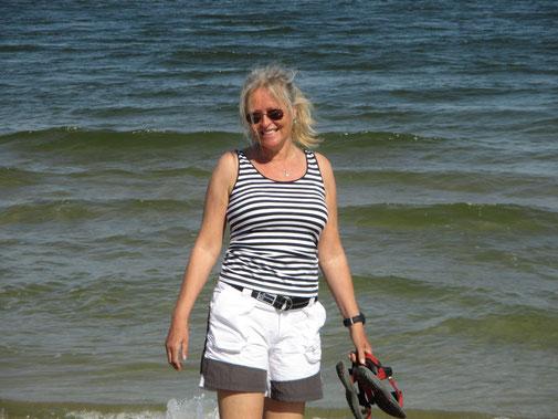 Endlich wieder Wellen, Sonne und barfuss im Sand