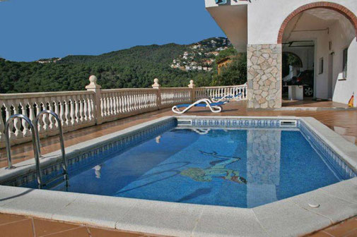 Louer une villa avec piscine privée à Lloret de mar