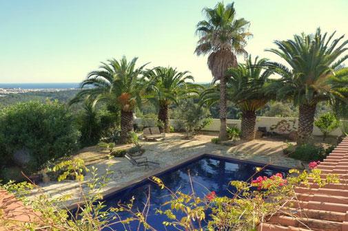Louer une villa avec piscine pour de belles vacances sur la costa Brava avec l'agence de location de vacances ab-villa