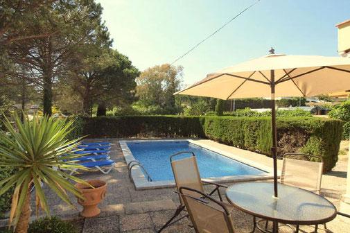 Belle villa à louer à Lloret de Mar pour 9 personnes avec piscine privée.