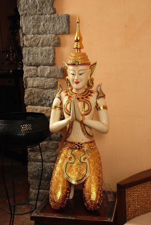Thailändische Statue bei SIAM SPA in Mainz