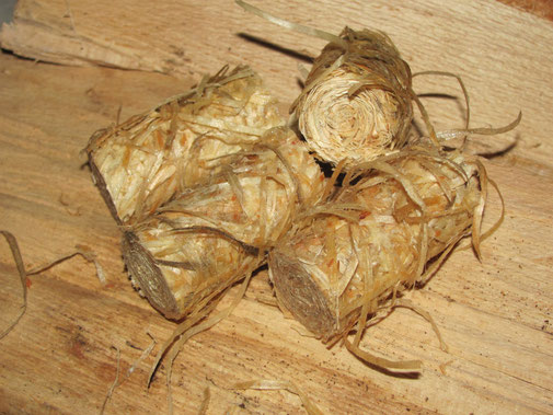 Feueranzünder aus Holzwolle