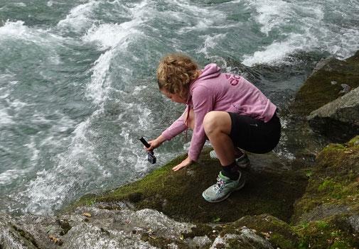 Carina filmt am Ticino - erkennen Sie im Video, welche Szene sie da gerade dreht?