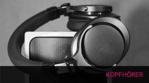 Kopfhörer auf Lautsprecher staffiert