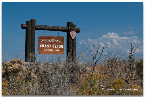 Grand Teton NP ligt zo'n 15 km buiten Jackson