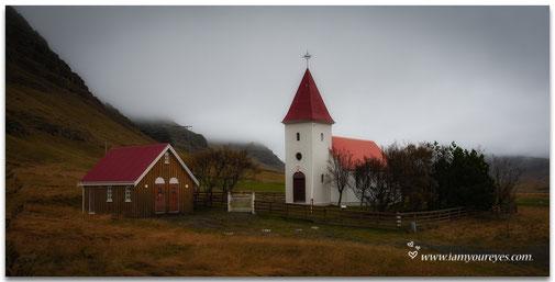 Kerkje even voorbij Hali