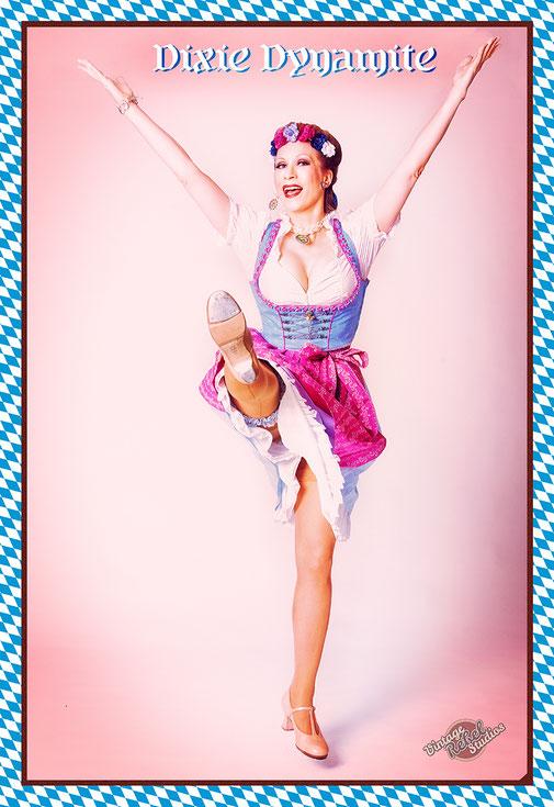 Dixie Dynamite überrascht in ihren Steptanzauftritten gerne mit Steptanz auf original bayrische Musik.  Das Publikum ist jedes Mal begeistert, wie gut das zusammenpasst!