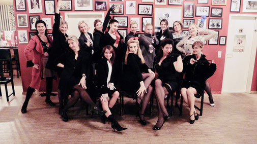Burlesque-Striptease-Workshop München, Burlesquetanz lernen, Burlesque-Nummer, Choreografie