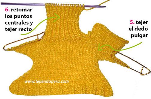 Mitones con botón tejidos en dos agujas o palitos