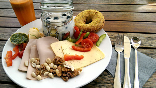 Bagel & Coffee Chiemsee - Test: veganes Frühstück - fairani