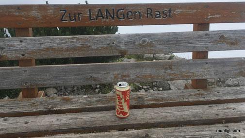 """... mit """"einem"""" Bier wird die Rast nicht all zu """"lang"""" dauern! Danke an den Spender und den Transport!!"""