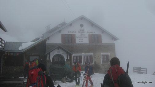 knapp eine Stunde dauert der Anstieg auf die Branca Hütte