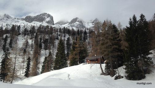die Gwechenberghütte - tiefe Wolken ziehen heran :-(