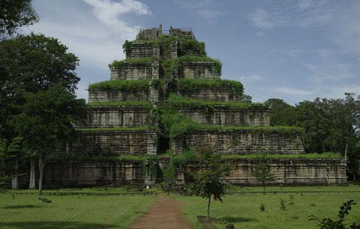 Die Pyramide von Prasat Thom