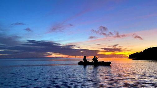 西表島でサガリバナを見に行く早朝カヌーツアー【朝焼けの景色も美しい】
