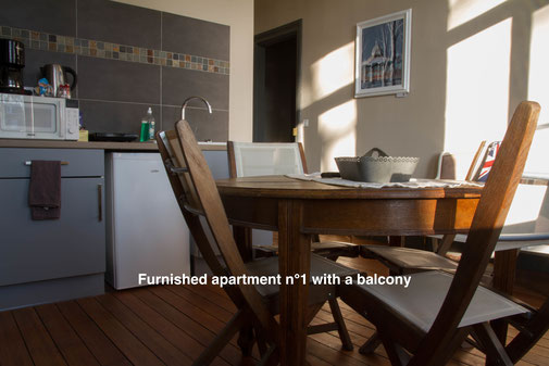 The nest - furnished apartment with a balcony, with hotel services in the city center of Amiens, in the Somme, weekly rental or month to month rental. Serviced apartments