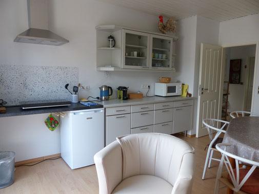 Frühstücksraum mit Sitzecke und Südbalkon