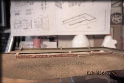 8 - granierter (mit Dry-Brush) Sockel