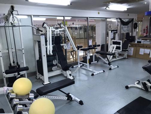 筋力トレーニングジムエリア