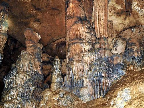 Senderisme - A peu - Interior de la cova d'Anes -2