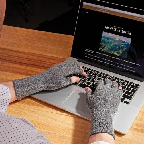 Fingerless Recovery Gloves