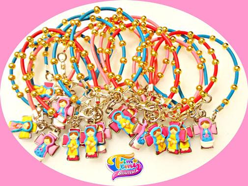 Virgencitas personalizadas para primera comunion en collares y pulseras