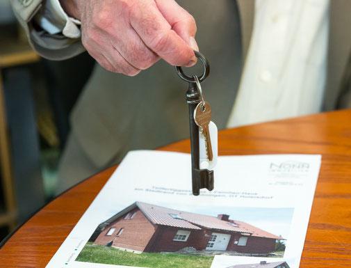 Schlüsselübergabe nach Vertragsabschluss