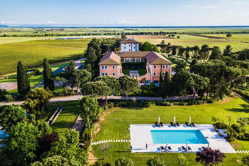 Golfreise Italien Golfpaket Golf Ferien Reisen Golfhotel Toskana Olivenöl Weingut Florenz Maremma medical Spa Gourmet Ducasse Kochkurse Luxus edel bestes Hotel in Toskana