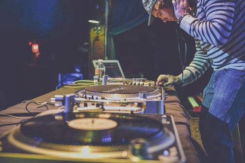 DJ'S (Pincha imagen para ver contenido)