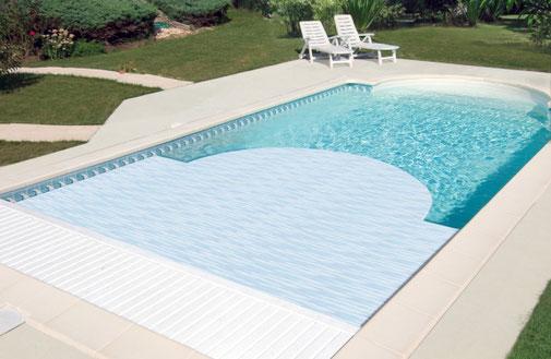 Sécurité piscine disponible chez Tradi Piscines proche d'Orléans (45)