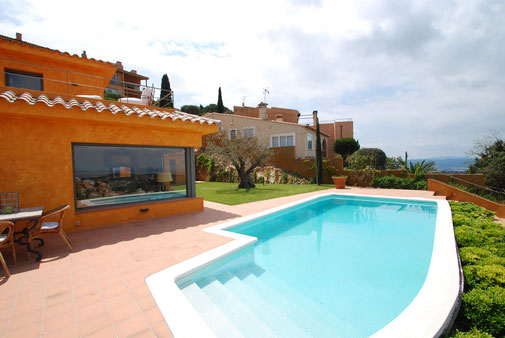 Les plus belles villas de luxe à louer à Begur sur la Costa Brava en Espagne, charme et prestige.
