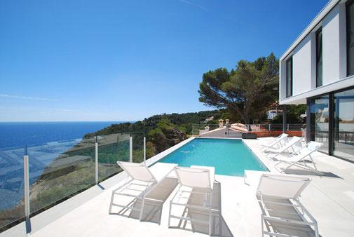 Belles villas à louer pour les vacances à Begur avec l'agence ab-villa.