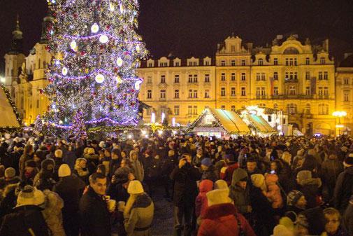Weihnachtsmarkt, Prag, Tschechien, Altstädter Ring, Die Traumreiser