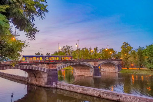 Moldau, Prag, Brücke, Die Traumreiser