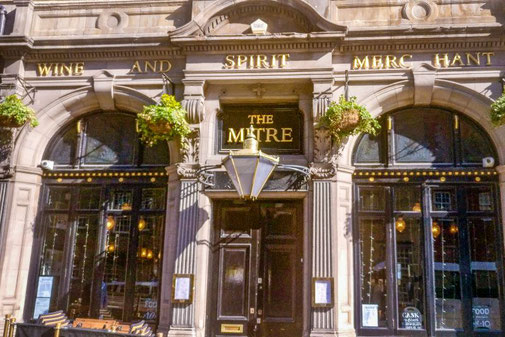 Pub, The Mitre, Royal Mile, Edinburgh, Schottland, Die Traumreiser