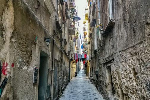 Neapel, Napoli, Italien, Die Traumreiser, Altstadt, Gassen