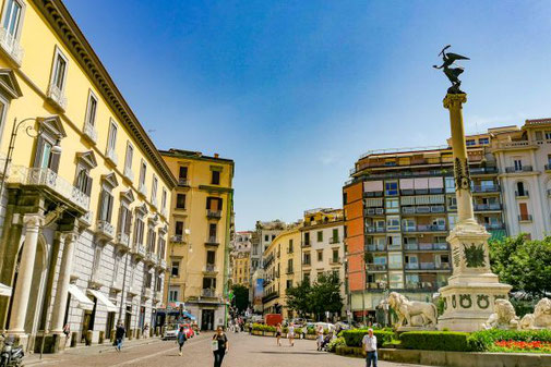 Neapel, Napoli, Italien, Die Traumreiser, Chiaia, nobel