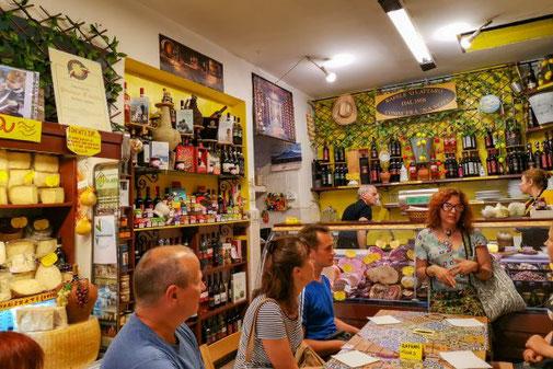 Neapel, Napoli, Italien, Die Traumreiser, Feinkostladen, Food Tour