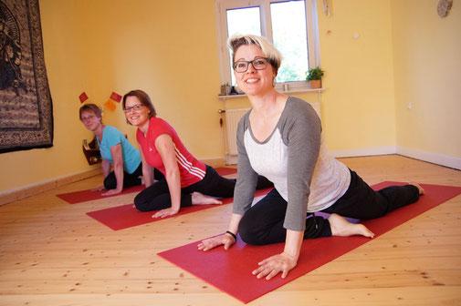 Yoga Studio Shanti Bergisch Gladbach Sand, Yoga-Lehrerin Gudrun WItte, Hatha Yoga, Shivananda Tradition, Taube