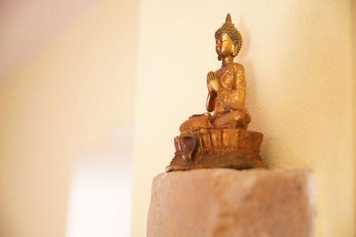 Yoga Studio Shanti Bergisch Gladbach Sand, Yoga-Lehrerin Gudrun WItte, Hatha Yoga, Shivananda Tradition, betende Gottheit