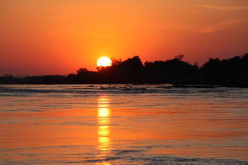 Sonnenuntergang Sambia Reise