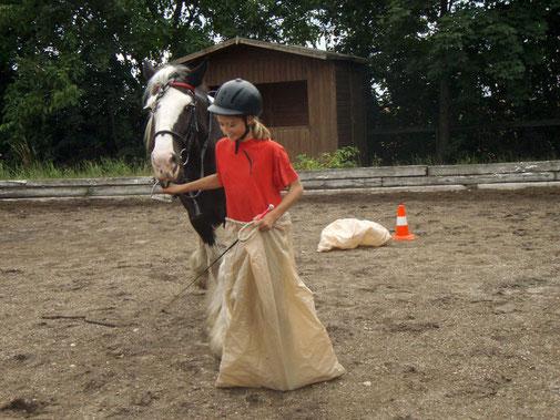 Sackhüpfen mit Pferd, Reitferien am Althof