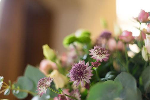Blumengesteck bei Trauerfeier, Begräbnis und Beerdigung