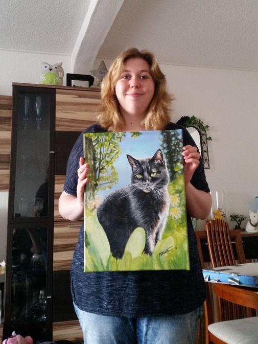 """Vanessa mit ihrem Katzengemälde  """"Pinsel"""" von WuffMiau"""